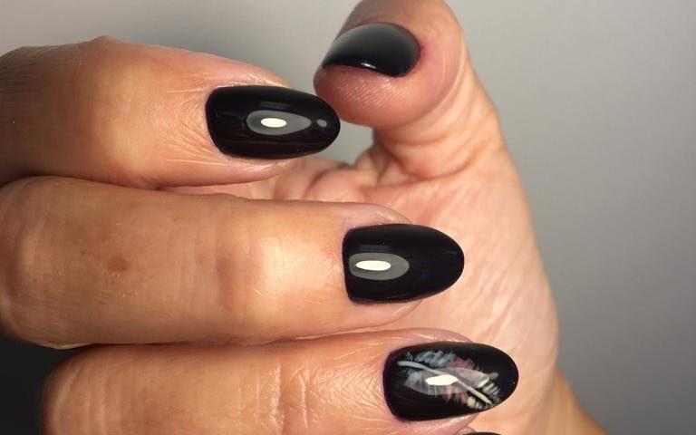 Stylizacja paznokci metodą żelową